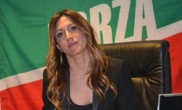 Crisi, Savino (Fi): Anche per Confindustria Italia fanalino di coda