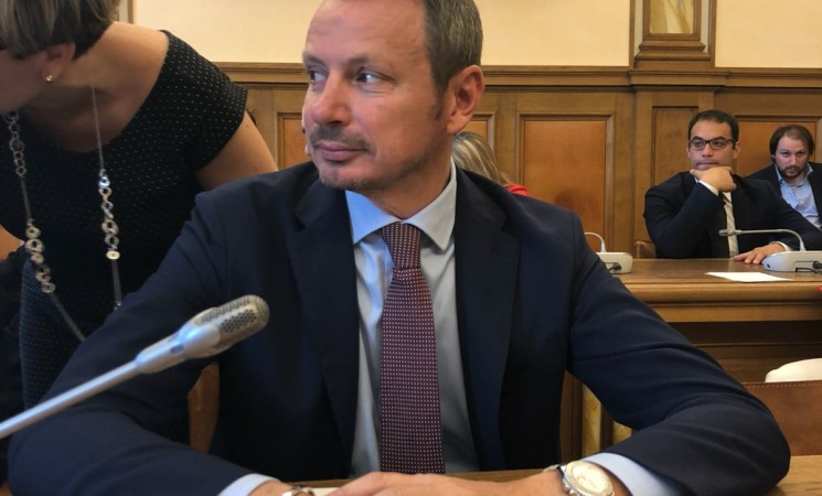 Alitalia, Carrara (Fi): Toninelli confonde pilota e capotreno